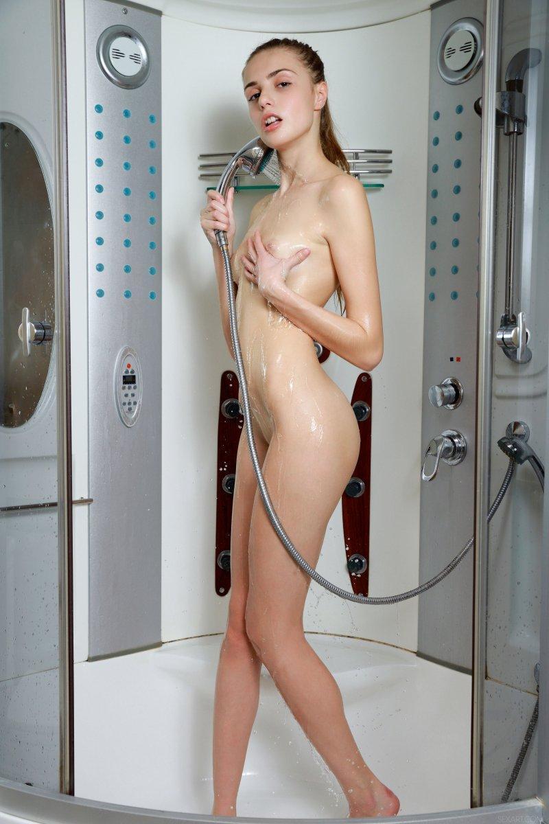 【套圖x45】洗內褲的少婦[48P]